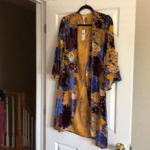 Anthropologie beautiful kimono w/ velvet flocking